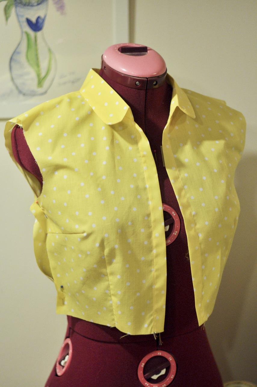 Gul skjortklänning i 50-talsstil